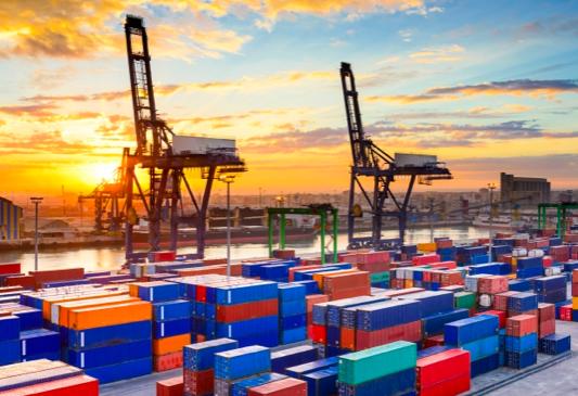 Transport delay prediction, risk monitoring