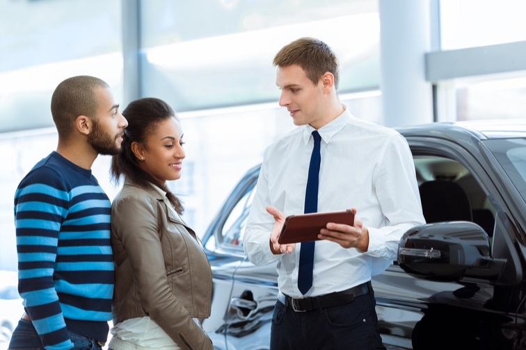3 steps to optimizing the car dealership showroom experience