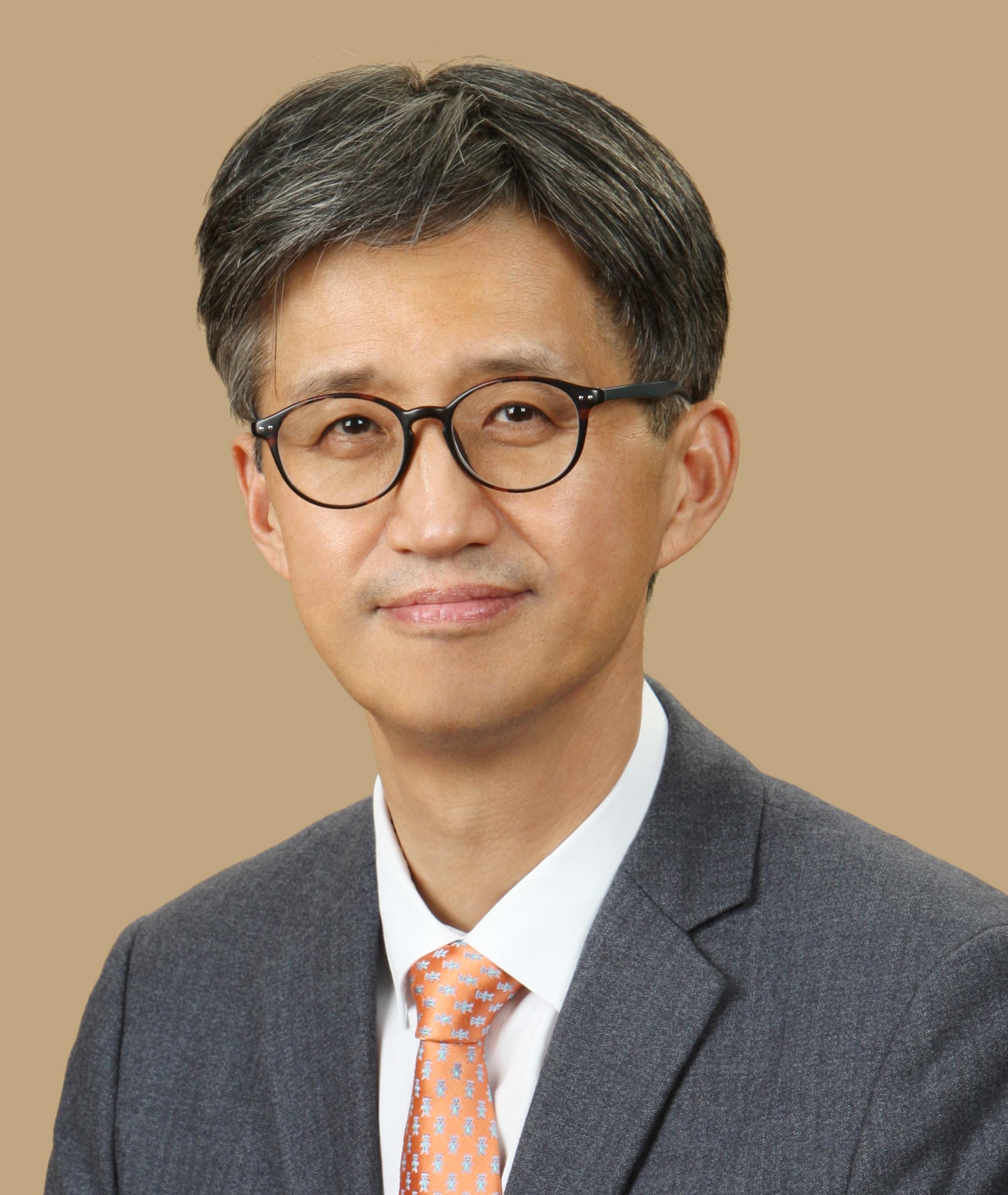 Chuck Yoo