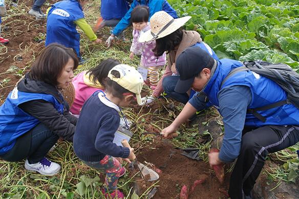 smart Bridge sisterhood events with local farms