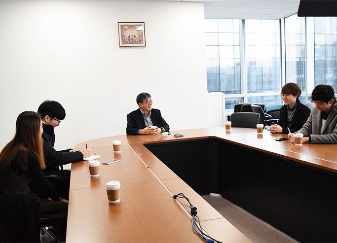 삼성SDS 한인철 인프라사업부장과 대학생 기자단 인터뷰 모습
