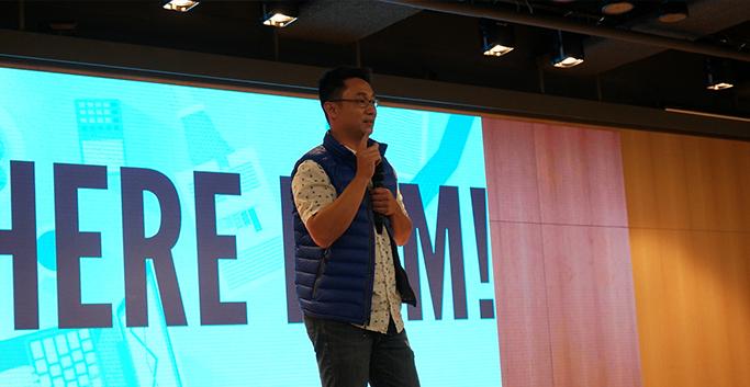 <Design for growth>를 발표 중인 루크 라우(Luk Lau)