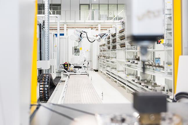 원활한 생산 워크플로우를 위한 설비 제어 시스템 구현