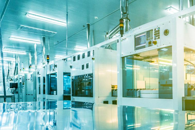 """스마트팩토리(Smart Factory)에 적용된 CX디자인과 그 활용사례 """"실수하는 인간, 실수하지 않는 공장"""""""