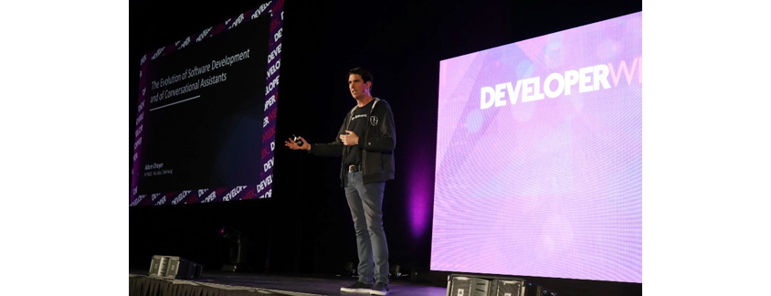 DeveloperWeek 2019 컨퍼런스 The Evolution of Software Development and of Conversational Assistants 세션 발표 이미지