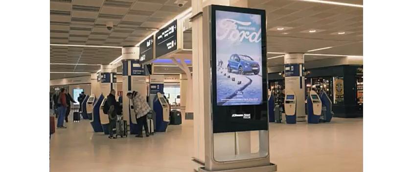 프랑스: 포드(Ford), 인터랙티브 디지털 사이니지로 선보인 포드 에코스포츠(EcoSport)