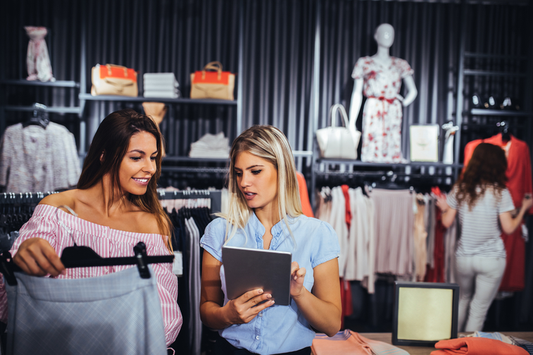 Mobile point-of-sale systems: How they streamline the user experience & maximize ROI