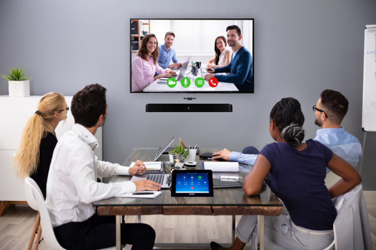 The Samsung Zoom Rooms Kit is helping businesses transform their workplaces for the better with a seamless Zoom Rooms user experience aided by state-of-the-art Samsung communications technology you know and trust.