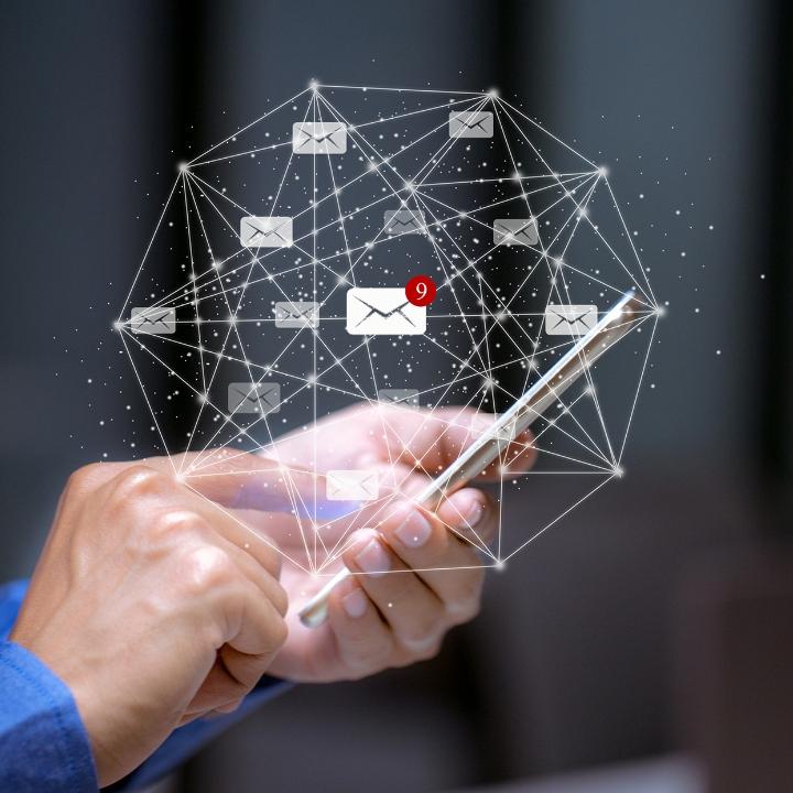 자연어 기반 이메일 문서의 딥러닝 학습을 통해, 사용자의 의도를 파악하고 RPA연계를 통한 업무 자동화를 제공합니다.