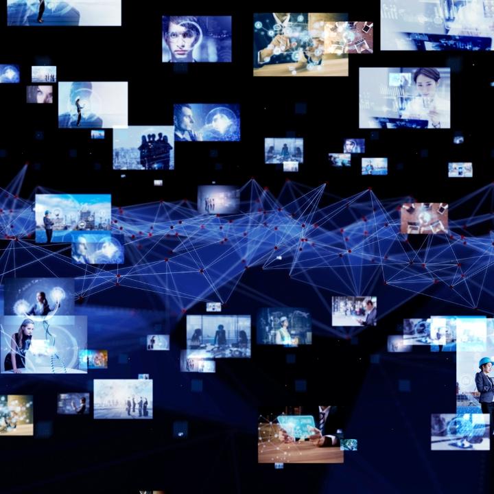 동영상에서 음원을 추출하여 실시간 텍스트 변환, 실시간 번역 및 핵심 키워드/문장 추출, 영상 컨텍스트 요약 등의 다양한 Text Analytics 기술 결합한 서비스 입니다.