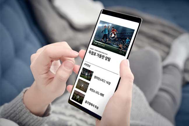 기사 내용 기반 연관 영상 추천 사용자가 기사를 클릭하면 해당 기사의 내용을 분석하여 연관된 영상과 영상 목록을 추천하고, 사용자가 추천된 영상을 지속적으로 시청하게 유도함으로써 서비스 내 체류시간을 연장시켜 추가 광고 수익 창출이 가능합니다.