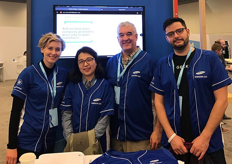 Google Cloud Next 참가한 Leah와 3명의 멤버들