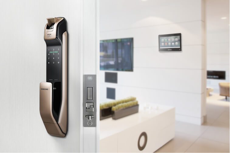다양한 홈 디바이스를 연결하여 안전 및 생활 편의를 높여주는 삼성SDS 도어락 서비스